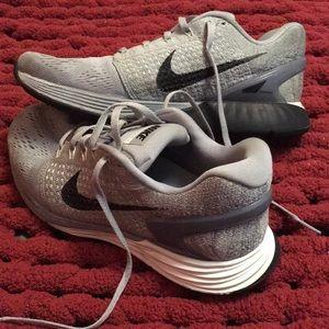 Nike Shoes - Nike Lunarglide 7 s 8a085161964e